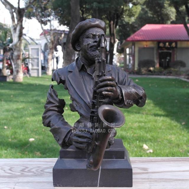 The copper sculpture crafts man Sax bronze ornaments gifts Decor ...