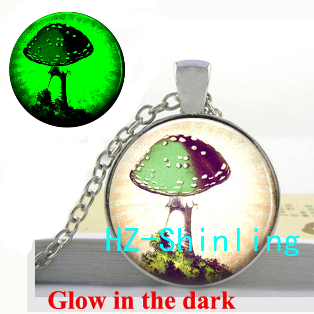 Glowing Jewelry Mushroom Pendant Necklace Mushroom Jewelry Glass Picture Pendant Glow in The Dark Necklace