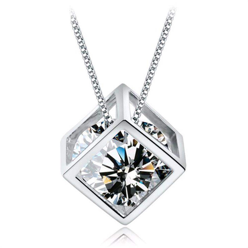 2016 New Hot sale Fashion Silver Transparant Zircon Necklaces & Dazzling Crystal Square Pendant Necklace For Women Charm Jewelry