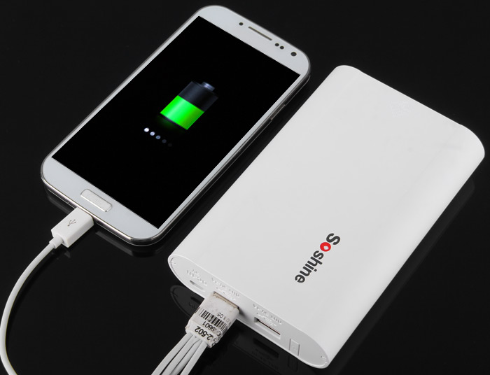 Soshine E3 LCD Dual USB Port DIY Mobile Power Bank 18650 Charger with 4 Slot for iPhone 6 / 6 Plus Samsung Smart Phone