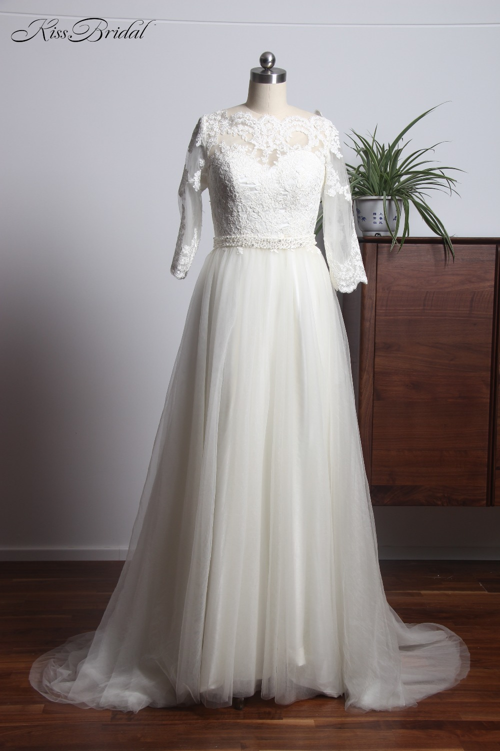 Modest Style 3/4 Sleeve Lace Tulle Wedding Dresses 2018 Sweep Train Beading Belt Button Back Bride Wedding Gown
