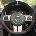 Preto de camurça de couro diy mão-costurado tampa da roda de direcção do carro para jeep grand cherokee wrangler compass patriot 2012 2013 2014
