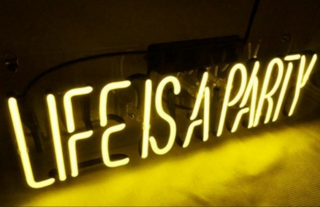 Custom Life is A Party Glass Neon Light Sign Beer Bar