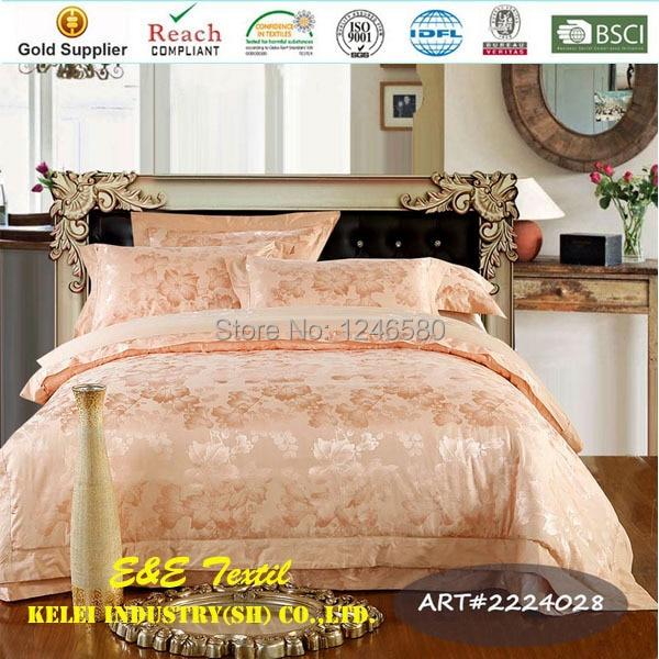 Silk Cotton Peach Puff Color Floral Jacquard Comforter