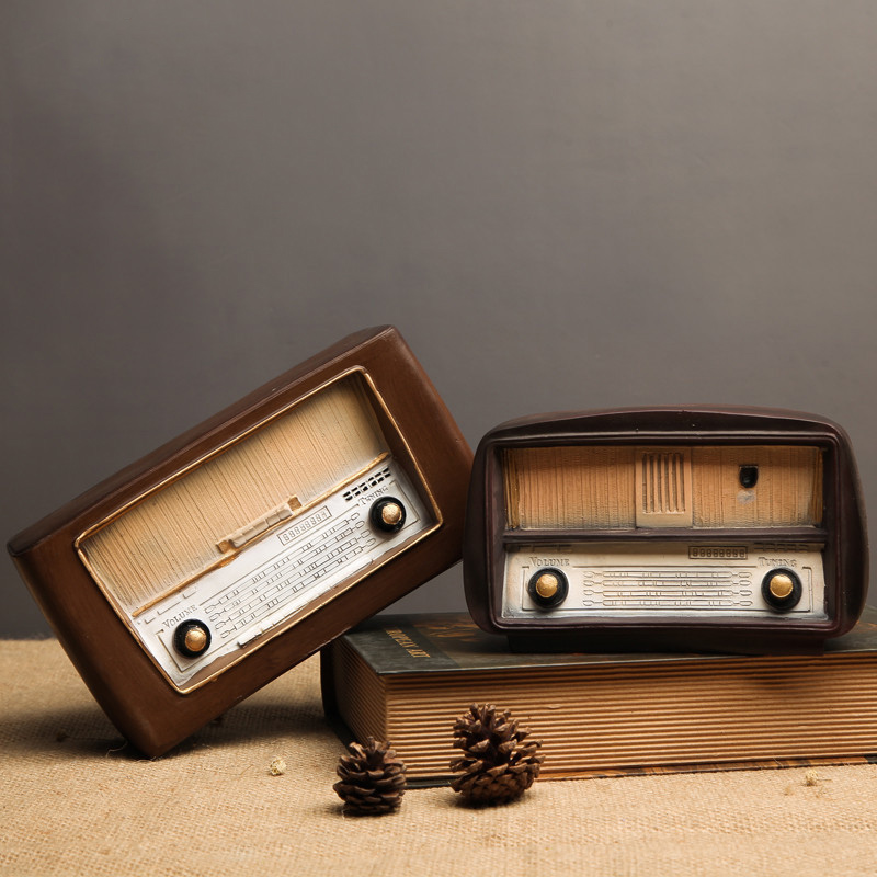 Europe Style Resin Radio Model Retro Nostalgic Ornaments Vintage Radio Craft Bar Home Decor Accessories Gift Antique Imitation in Figurines Miniatures from Home Garden