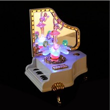 1PC Piano Shape Music Box Flash for Girls Birthday Gift Decoration Creative Personality Music Box KN 040