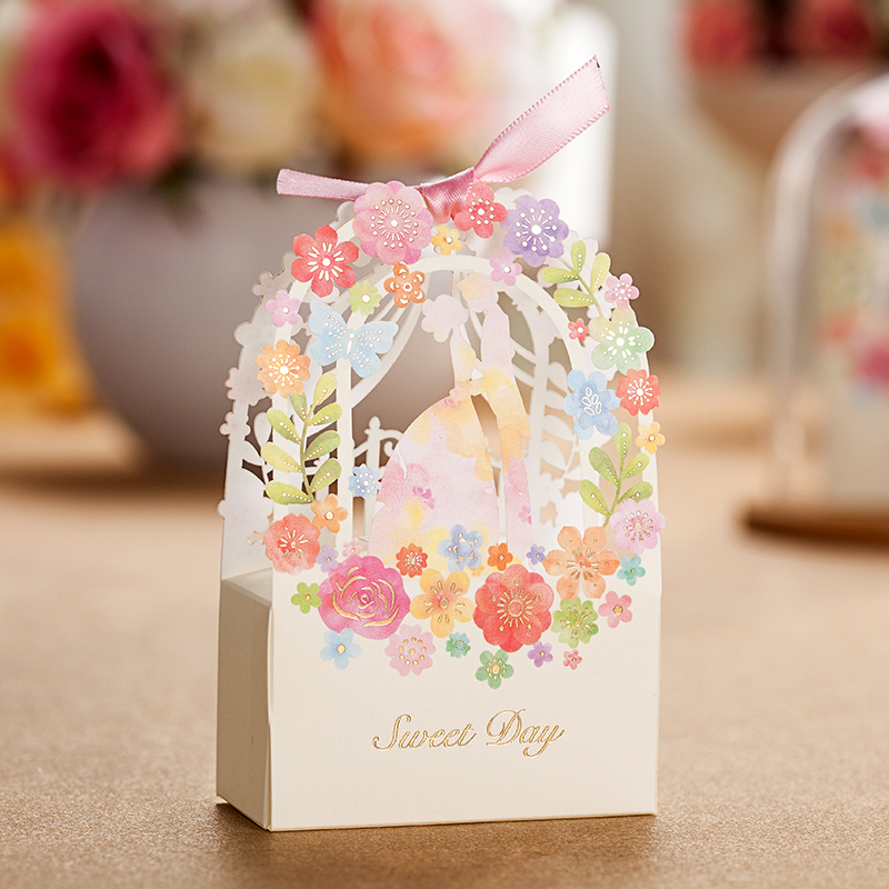 50Pcs/Lot Wedding Event Party Decoration Gift Box Bride And Groom Style Candy Box Flower Gift Bag Wedding Gifts For Guests