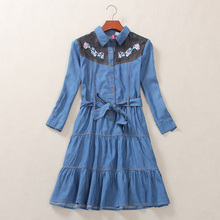 2017 Spring New Vintage Flower Embroidery Denim Dress with Belt Female Long Sleeve Midi Tunic Sweet Floral Women Denim Dresses