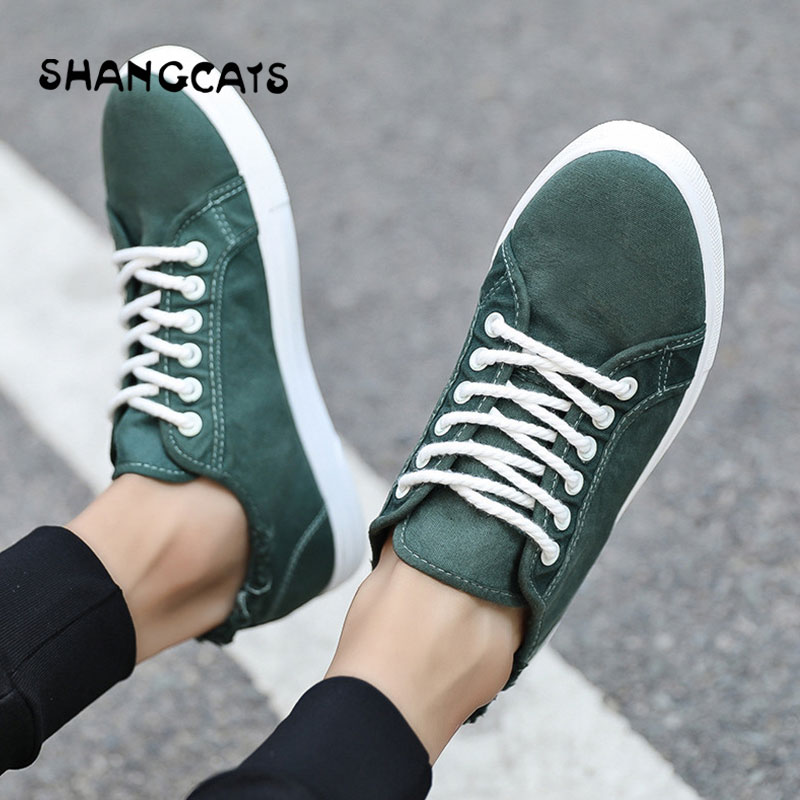 Men Canvas Shoes 2018 Fashion Solid Color Men Vulcanized Shoes Lace-up Casual White Couple Shoes Men Sneakers Espadrilles Green casual slimming lace up large pocket solid color cotton blend pants for men