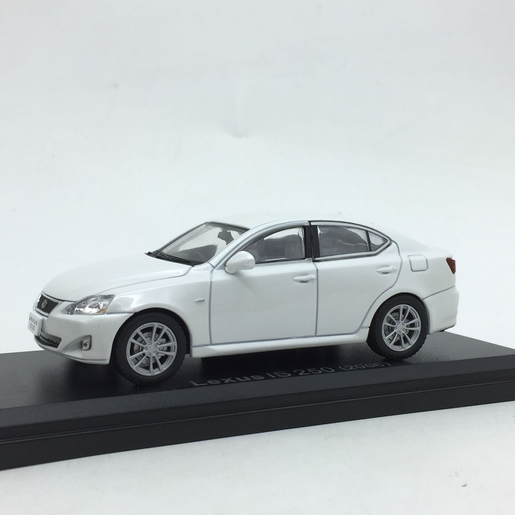 1:43 Lexus IS Alloy Car Model 11cm For Gift Toys