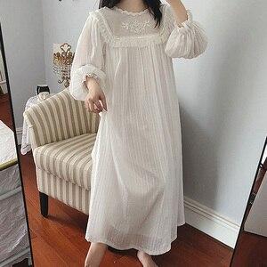 Image 2 - Damska sukienka Lolita księżniczka Sleepshirts Vintage styl pałacowy koronkowe haftowane koszule nocne. Wiktoriańska koszula nocna wygodna bielizna nocna