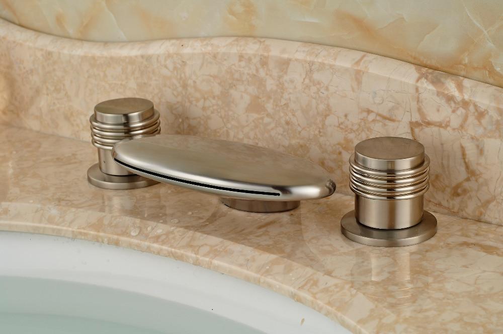 Modern Brushed Nickel Finish Deck Mounted Bathroom Waterfall 3 Holes Bathtub Faucet Mixer Tap цена