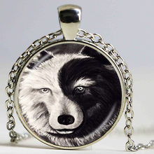 Vintage Ying en Yang Wolf Ketting Grey Zwart Dier Hanger Glas Cabochon Brons Chain Choker Neckless Vrouwen Mannen Accessoire(China)
