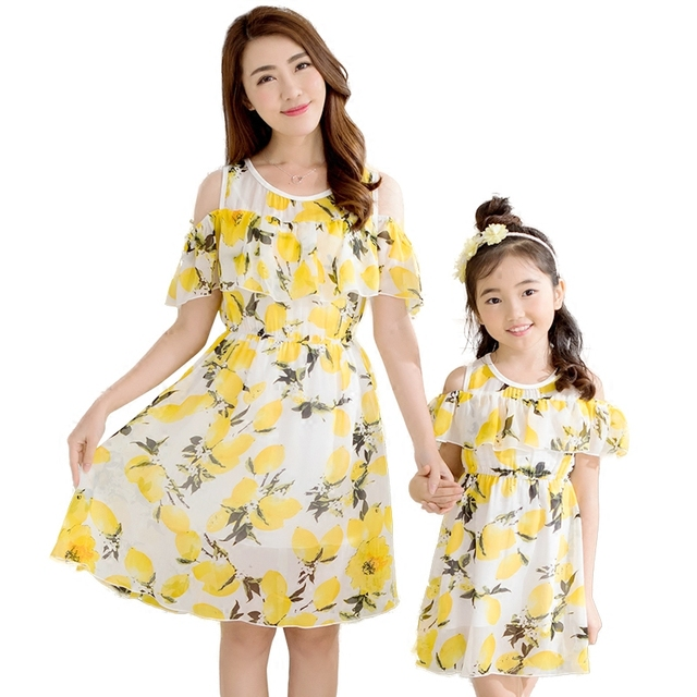 Combinando roupas da família mãe filha mãe vestido mãe mãe e filha roupas família lemon camisa estampa floral amarelo marca