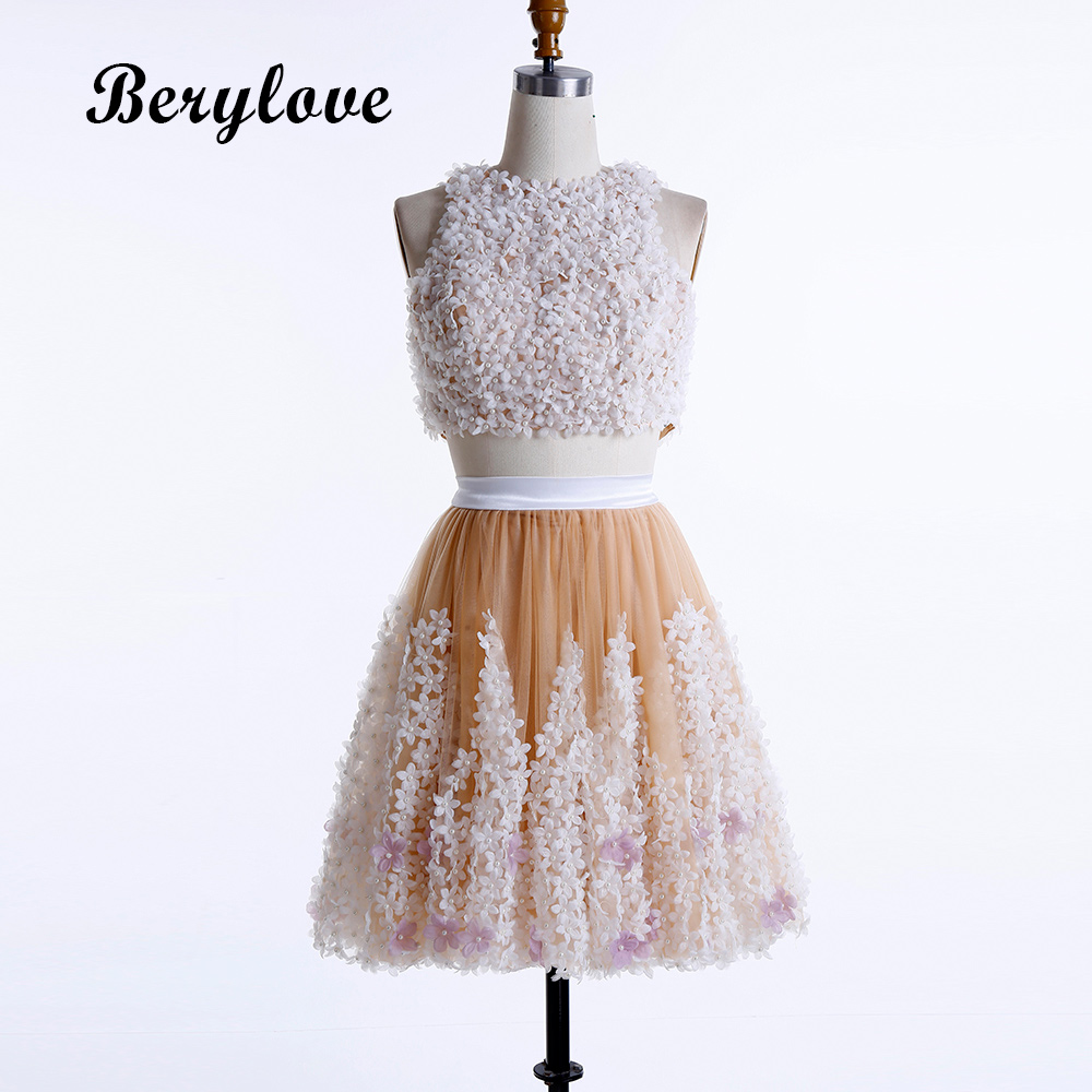 BeryLove Short 2 Pieces Champagne Homecoming Dresses 2018 Mini Flowers Homecoming  Dress Tulle Graduation Dresses Cocktail Gowns d1026c72add3