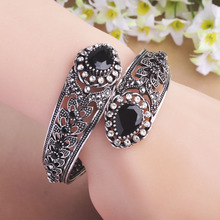 Negro Vintage acrílico brazaletes mujeres mejor partido accesorios plateados plata antigua de diseño de flores de turco pulsera Pulseira