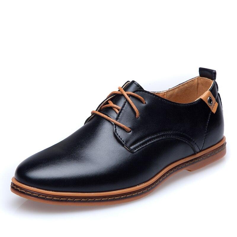 Grande Taille UE 2018 Hommes En Cuir Décontractée Chaussures Vente Chaude Printemps  automne Hommes Mode Dentelle-Up Robe Chaussures Homme Low Top Lumière ... 0e52ef0628e
