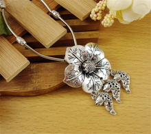 Nueva moda tibetana flor de plata de moda creativa mujeres colgante , collar de día de san valentín regalos para para NA1003