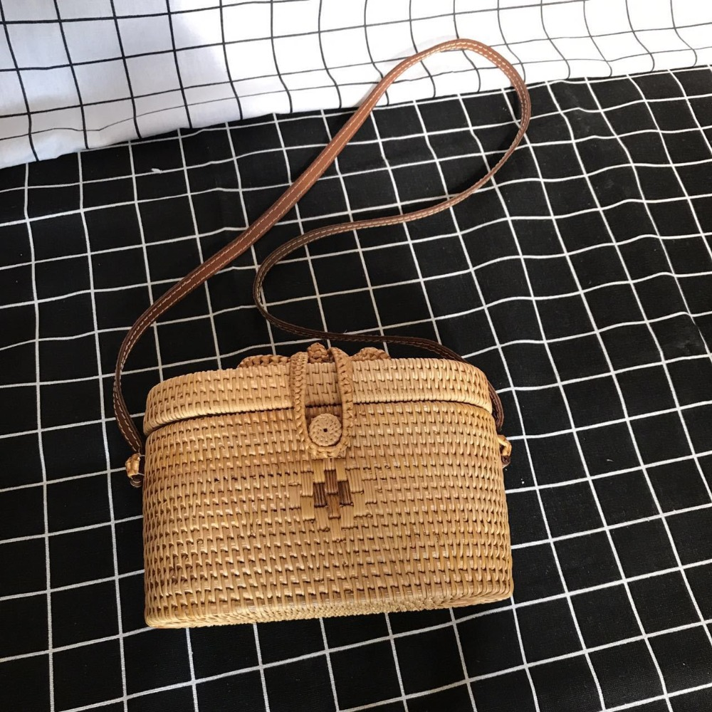 Vietnam Handmade Rattan Woven Round Handbag Retro Straw Beach Bag Luxury Brand Boho Crossbody Bag Hot Women Travel Shoulder Bag 2018 new fashion circular beach bag summer women shoulder bags round shape straw bag boho vintage retro beach handbag