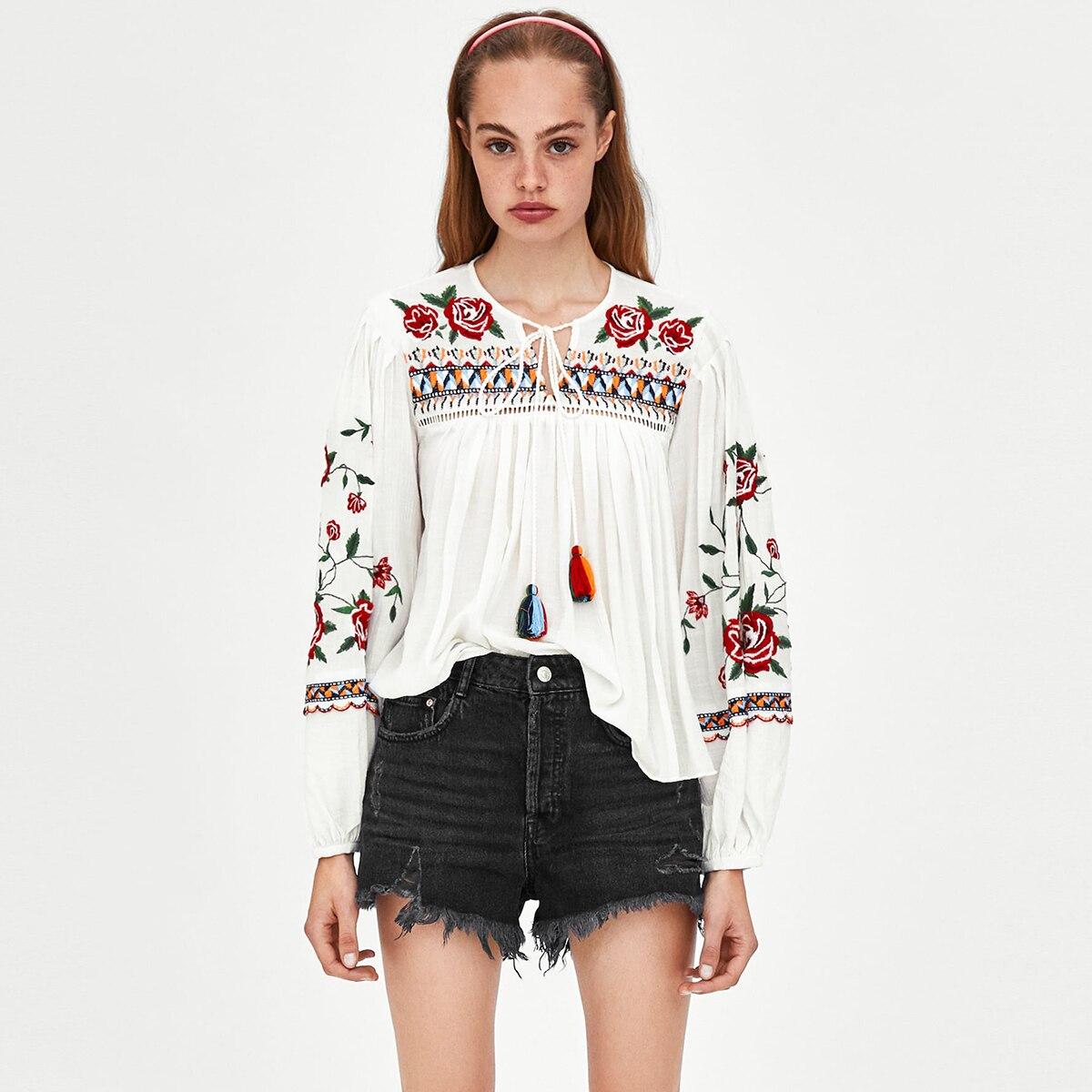 Floral broderie plissée Blouse hauts femmes automne à manches longues col en V Vintage chemises 2018 dames blanc ethnique Sexy Blouses tunique