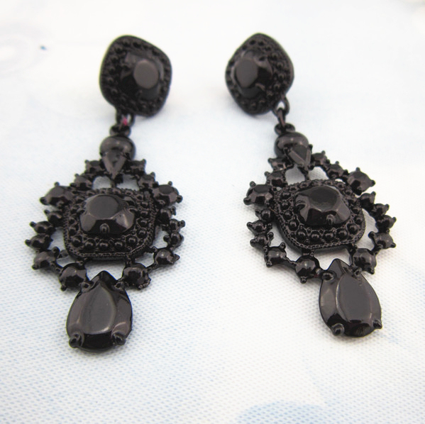 Newest Style Black Charm Rhinestone Statement Earrings Unique Boutique Hollow Out Created Gemstone Jewelry