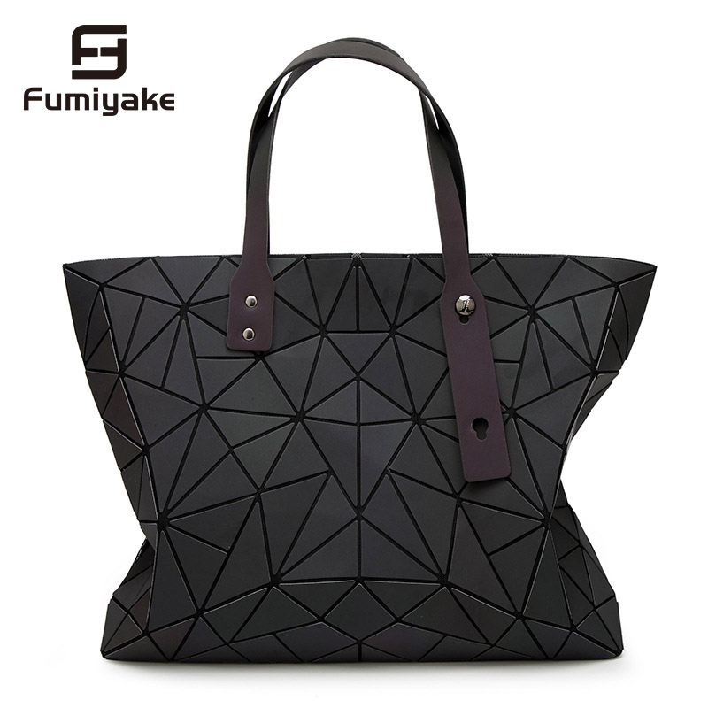 2018 New Bags Women Handbag Geometry Totes Sequins Mirror reflective Plain Folding Shoulder Bags Luminous bags Hologram2018 New Bags Women Handbag Geometry Totes Sequins Mirror reflective Plain Folding Shoulder Bags Luminous bags Hologram