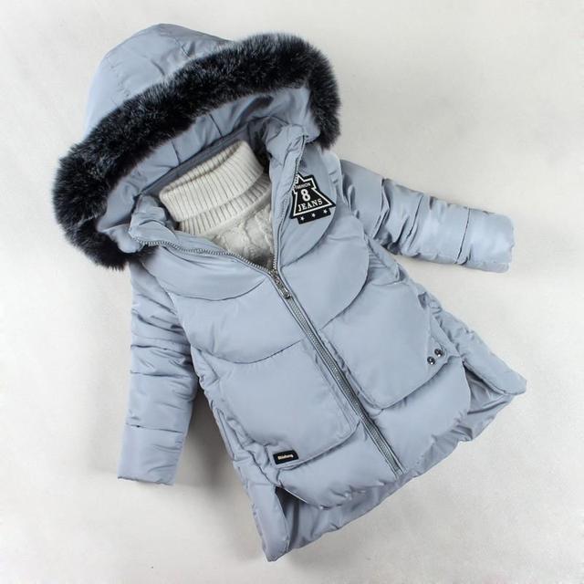 Niñas Abrigo de Invierno 2017 de La Marca de Moda para Niñas Engrosamiento de Algodón Con Capucha ropa de Abrigo Niños Parkas Ropa de Bebé Niña