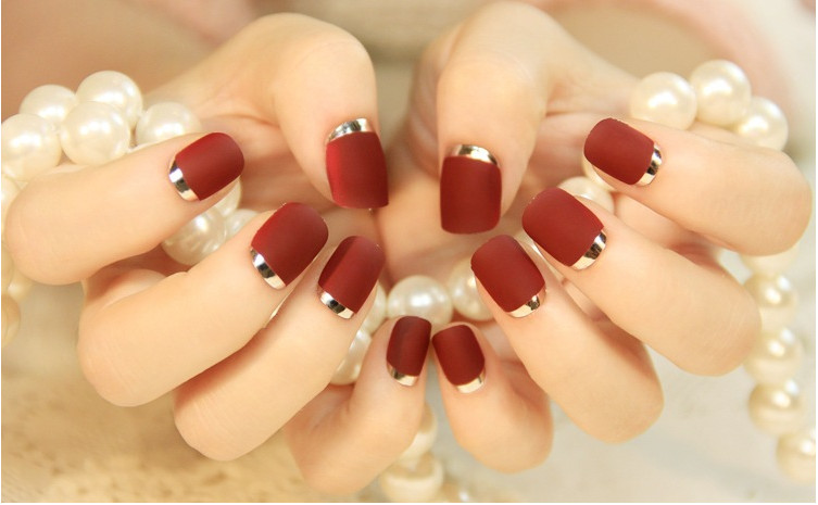 New Lady nails Sexy Red Matte Fake Nails Metallic Gold French False ...