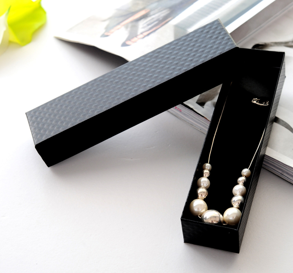 Us 44 0 20pcs Elegent Stereoscopic Pattern Long Necklace Gift Box Classic Jewelry Box W Sponge Holder Protect Bridesmaid Gift Package In Jewelry