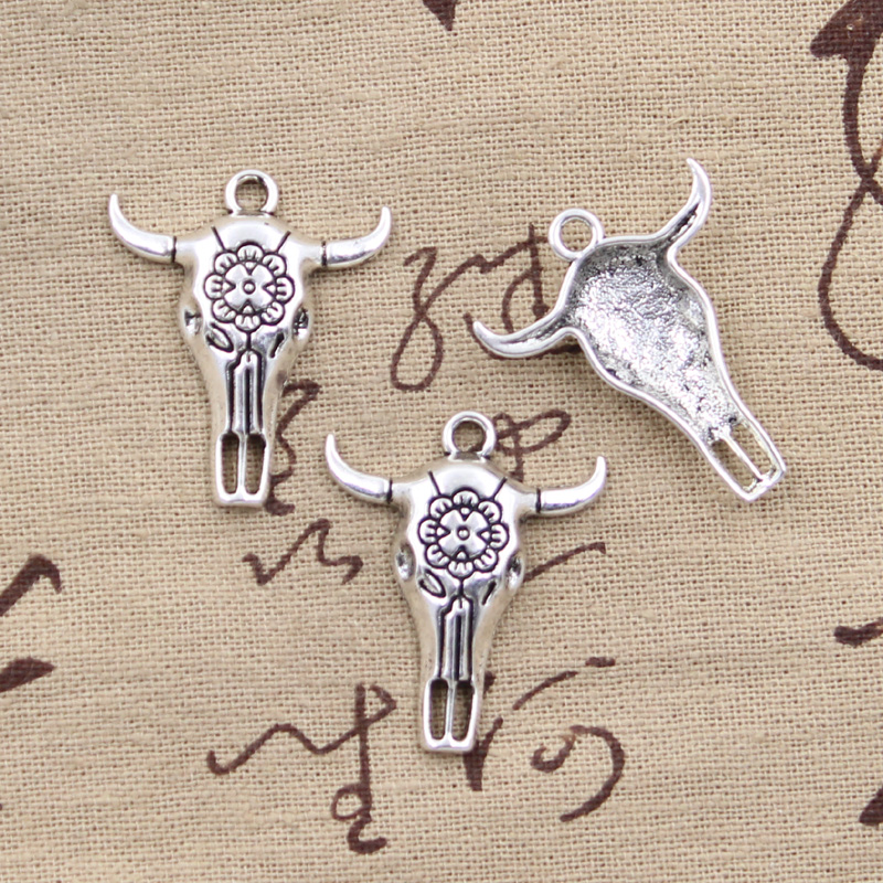 LARGE NECKLACE Tibetan Silver. BULL HEAD SKULL CHARM