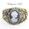 Canlyn Fashion Accessories Royal Vintage Beauty Head Cameo Bracelet Classic Wide Bangle for Women Wholesale
