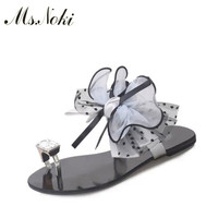 Ms Noki Floral Sweet Sandals Women Crystal Flat Sandals Women 2017 Summer Ankle Strap Low Heel