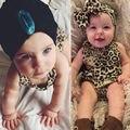Estilo do verão 2016 Meninas Leopardo Romper Do Bebê Recém-nascido Bodysuit Playsuit Outfits + Hairband 0-24 M