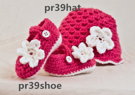 f408e048a Handmade Baby girl Crochet Mary Jane's and beanie, infant bootie and hat set