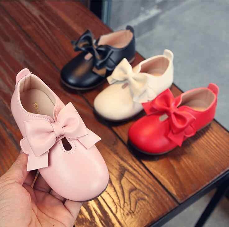 รองเท้าเด็กโรงเรียนหญิงสาวรองเท้าสีแดงสีชมพูเด็กหนังแบนเล็กๆน้อยๆรองเท้าสาวรองเท้าสบายๆรองเท้าผ้าใบ