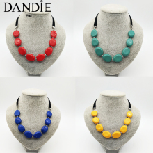 Dandie Shaped acrylic fashion short necklace woman  Stylish, trendy
