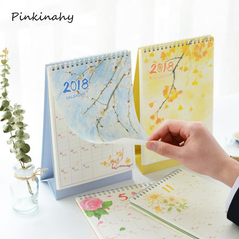 Calendar Booklet 2018 : Year kawaii seasonal desk calendar organizer