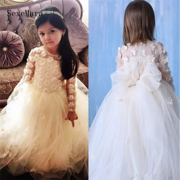 New 3D Appliqued Flower Girls Dresses Ball Gown Jewel Neck Long Sleeves Floor Length Little Girl Pageant Dress Birthday GownNew 3D Appliqued Flower Girls Dresses Ball Gown Jewel Neck Long Sleeves Floor Length Little Girl Pageant Dress Birthday Gown