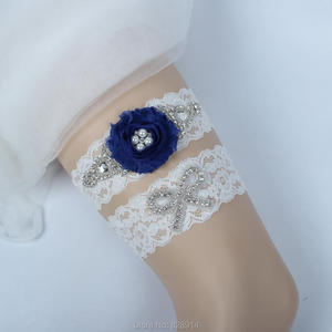 New Design Original Luxury Crystal Beaded White Lace and shabby flower Wedding Garter Sets Handmade HT10985 Hot Selling