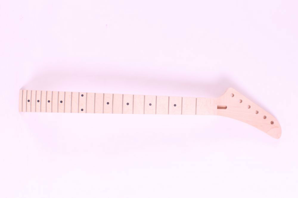 1 pcs   unfinished electric guitar neck maple made and maple fingerboard Bolt on 22 fret one left unfinished electric bass guitar neck solid wood 22 fret new rosewood fingerboard maple made