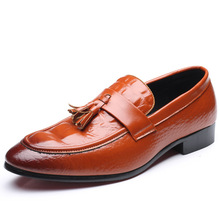 Oxford Soft Leather Men Shoes Pointed Toe Crocodile Pattern Slip-on Shoes Tassel Spring Autumn Men Shoes Driving Shoes