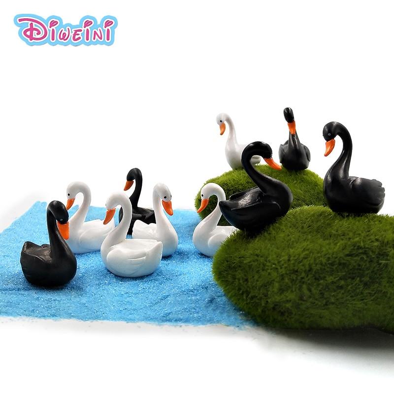 10pc/lot Black White Swam Lover Ducks Miniature Figurine cartoon Figures animal models Pet toy DIY Accessories Doll House