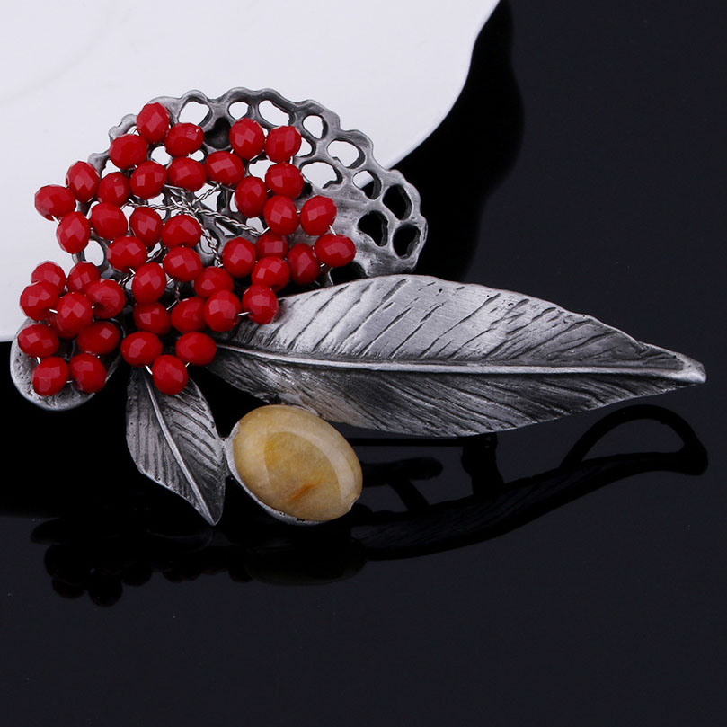 Metal Vintage Leaf Alloy Brooches Red Crystal Beads Brooch Safety Pins Women Accessories Retro Silver Color Jewelry