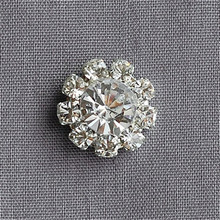 30pcs/lot 12MM Flatback Rhinestone Buttons Round Diamante Crystal Hair Flower Center Wedding Invitation Scrapbooking Accessories