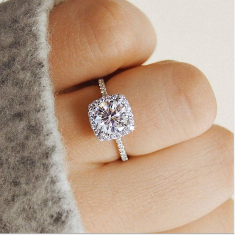 2019 Big Cubic Zirconia Ring Fashion Wedding Jewelry Female Engagement Ring Female Creative Micro-inlaid Zircon Simple Jewelry