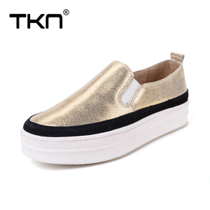 Image 4 - TKN 2019 סתיו נשים דירות נעלי גבירותיי פלטפורמת להחליק על נעלי עור עבה סוליות Tenis Feminino סניקרס Creeper אישה 8835
