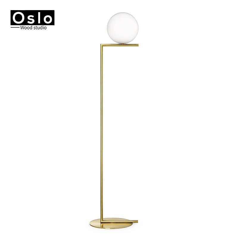 złote lampy podłogowe
