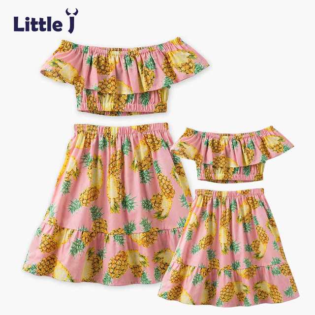 8879c596a Little J Pineapple Printed Mother Daughter Dresses Clothes Off Shoulder  Tops + Skirt Belly Set Mom Girls Dress Family Outfits