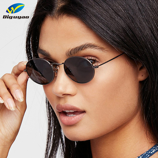 DIGUYAO oculos de sol femenino 2018 marca mujeres metal marco pequeño óvalo  sunglass hombres claro lente a1446a3c9f