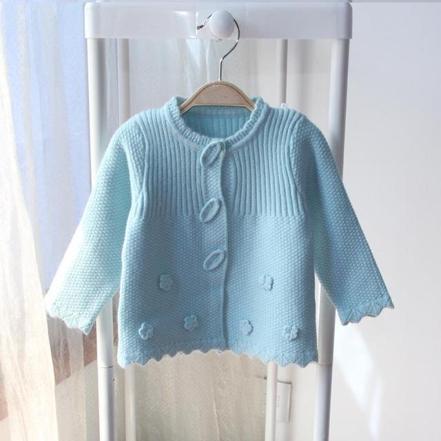 2017 Nueva Primavera Otoño Bebé Suéter de Punto Ropa de Lunares de Color Suéteres de los Bebés de Invierno niños Cardigan Suéteres Niñas